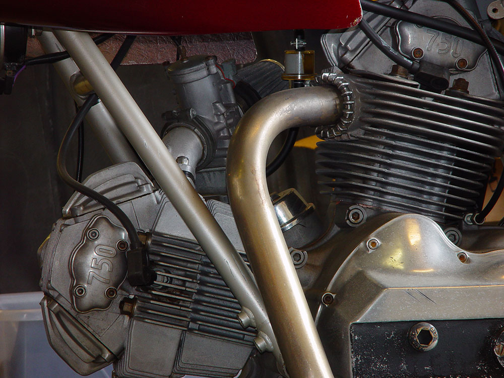 750ss-Engine-Detail